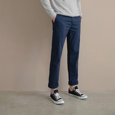 男裝基本款錐形彈力卡其長褲